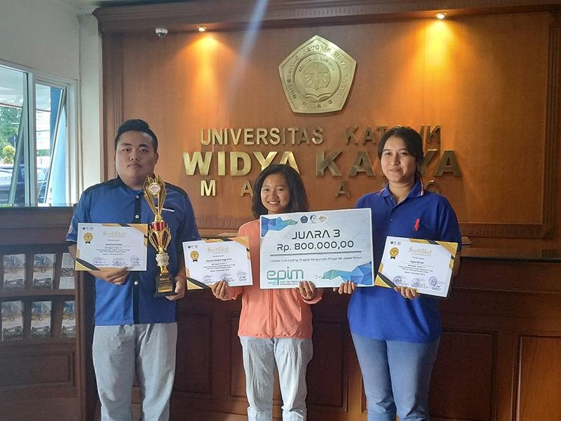 Mahasiswa Juara Pemrograman se-Jatim